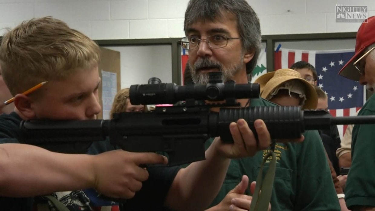 Colo. Middle School Students Handle Guns During Gun Safety Class Naples Gun School FFL gun firearm sales transfers