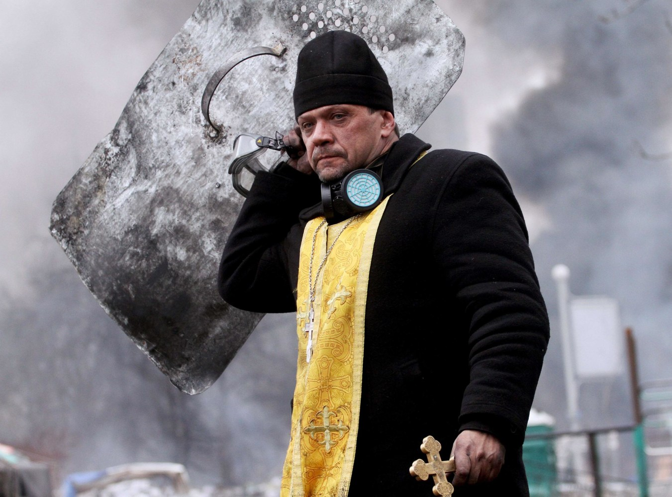 Meanwhile, over in the Ukraine... Pb-140220-priests-da-03_8cd8c21bdcd6aa848513beeed6566450.nbcnews-ux-1360-1000