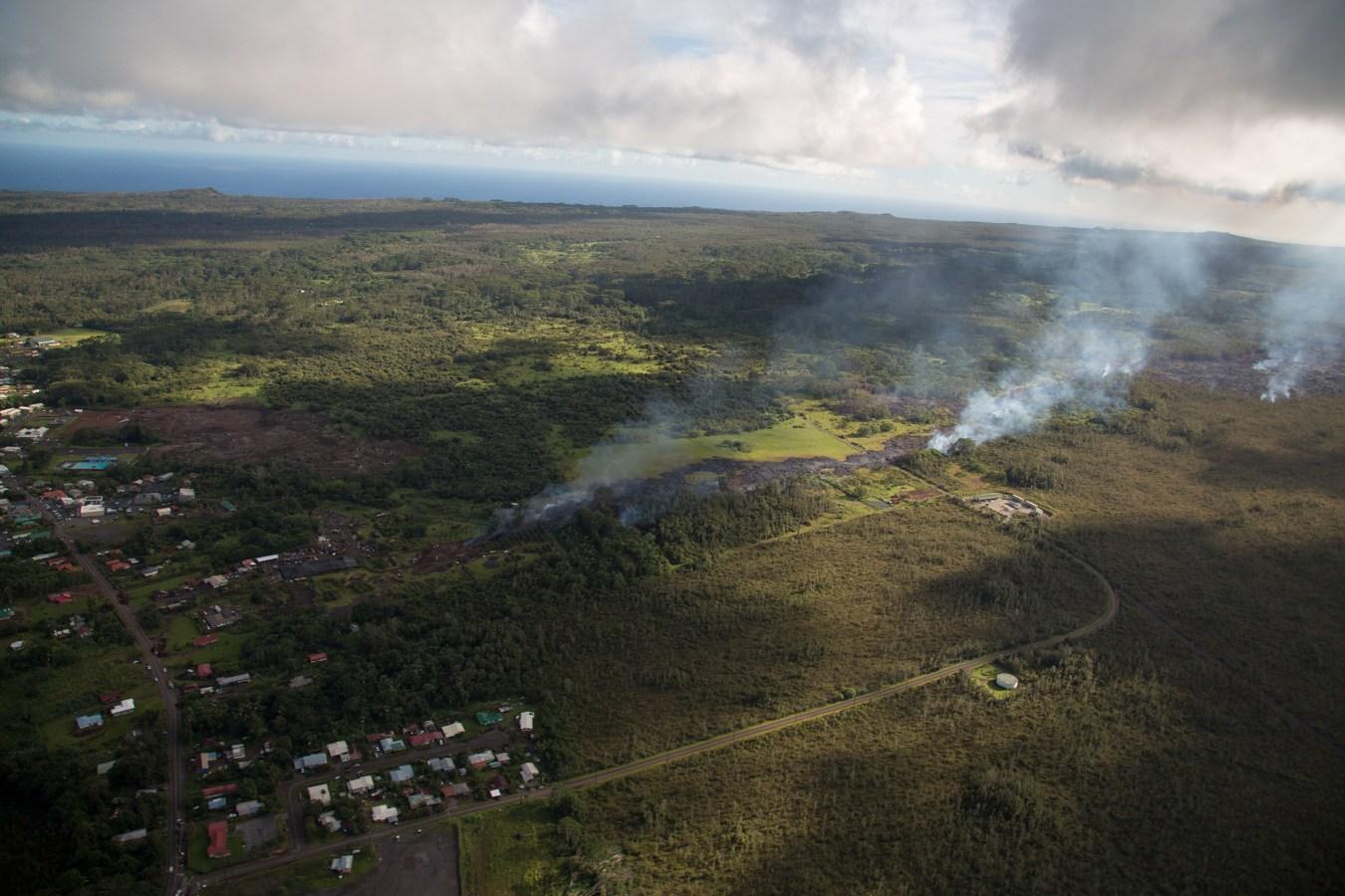 ss-141029-hawaii-lava-05.nbcnews-ux-1360