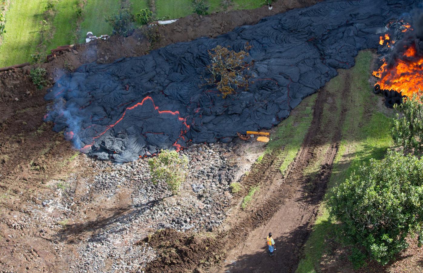 ss-141029-hawaii-lava-06.nbcnews-ux-1440