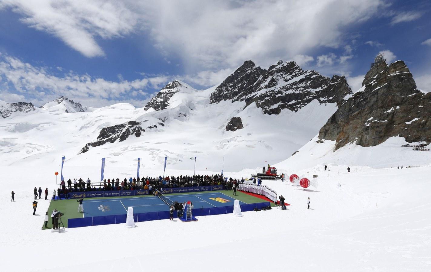 http://media3.s-nbcnews.com/j/newscms/2014_29/568511/pc-140717-alpine-tennis-7a_c4e9e61b17ff1c6c9b09114031937c10.nbcnews-ux-1440-900.jpg