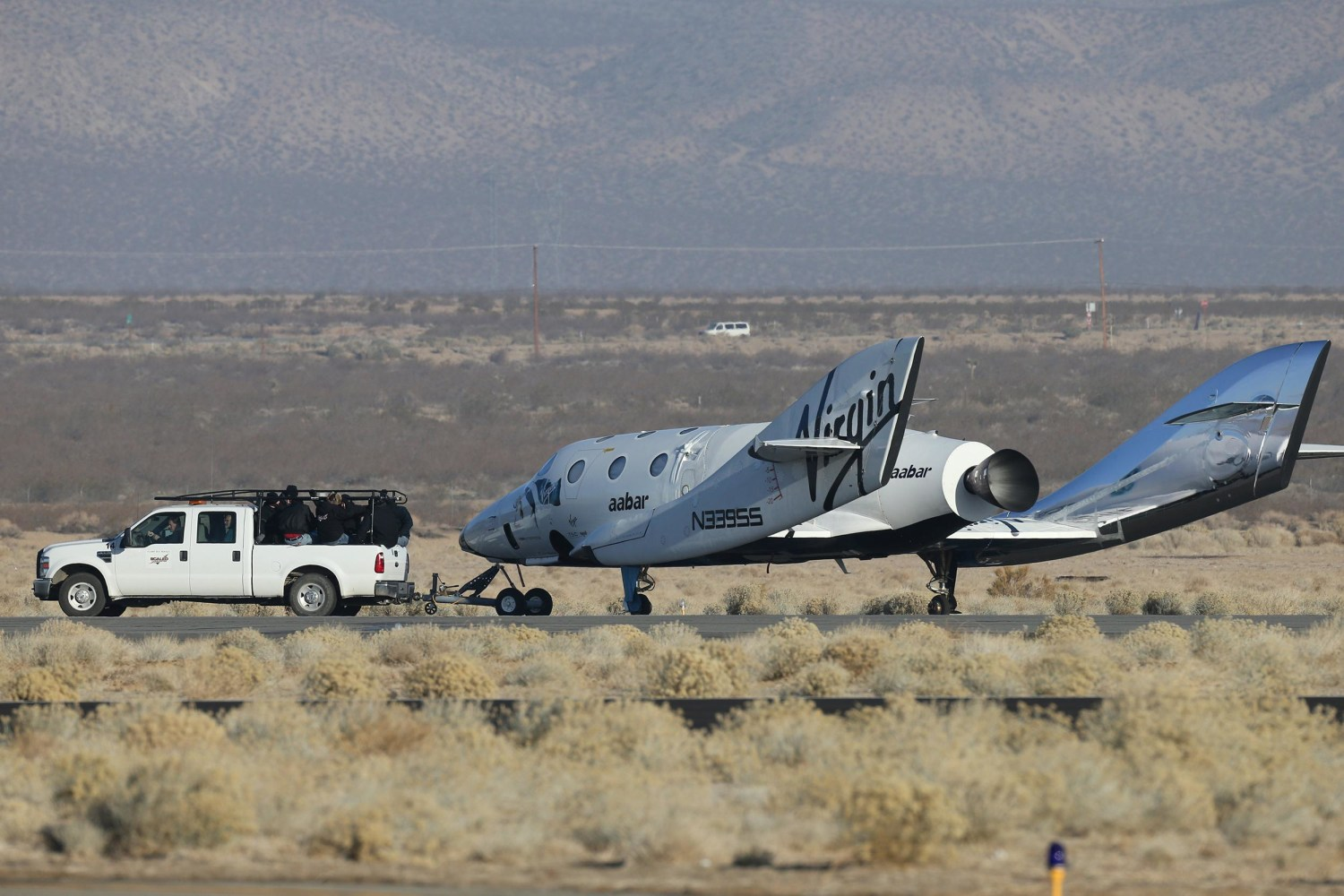 SpaceShipTwo Rockets Across Desert Skies During Test ...