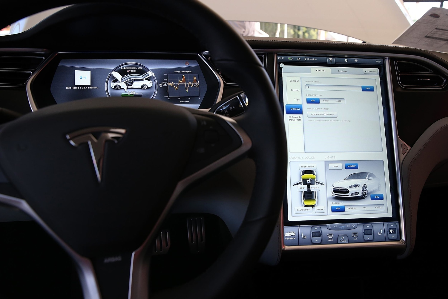 Tesla Model S Is Like A Desktop Computer With Wheels Nbc