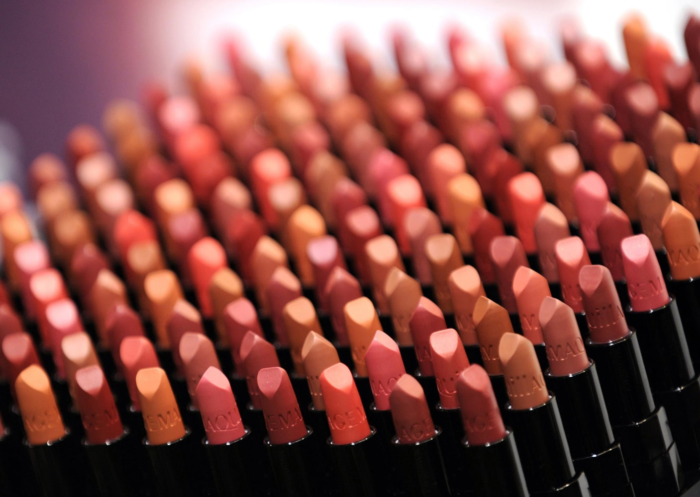 Feds look to reduce lead levels in lipstick