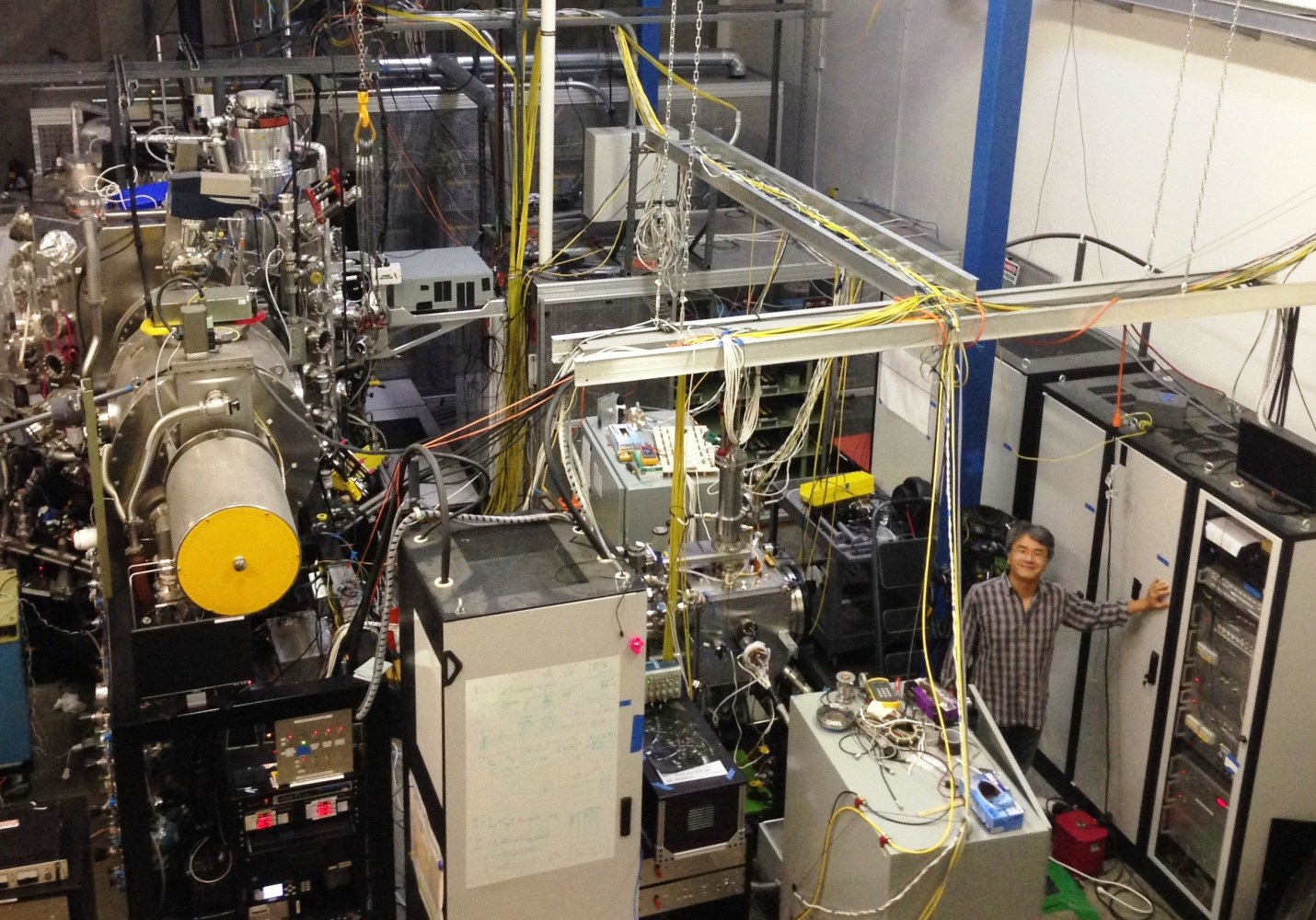 how to build a fusion reactor in voltz
