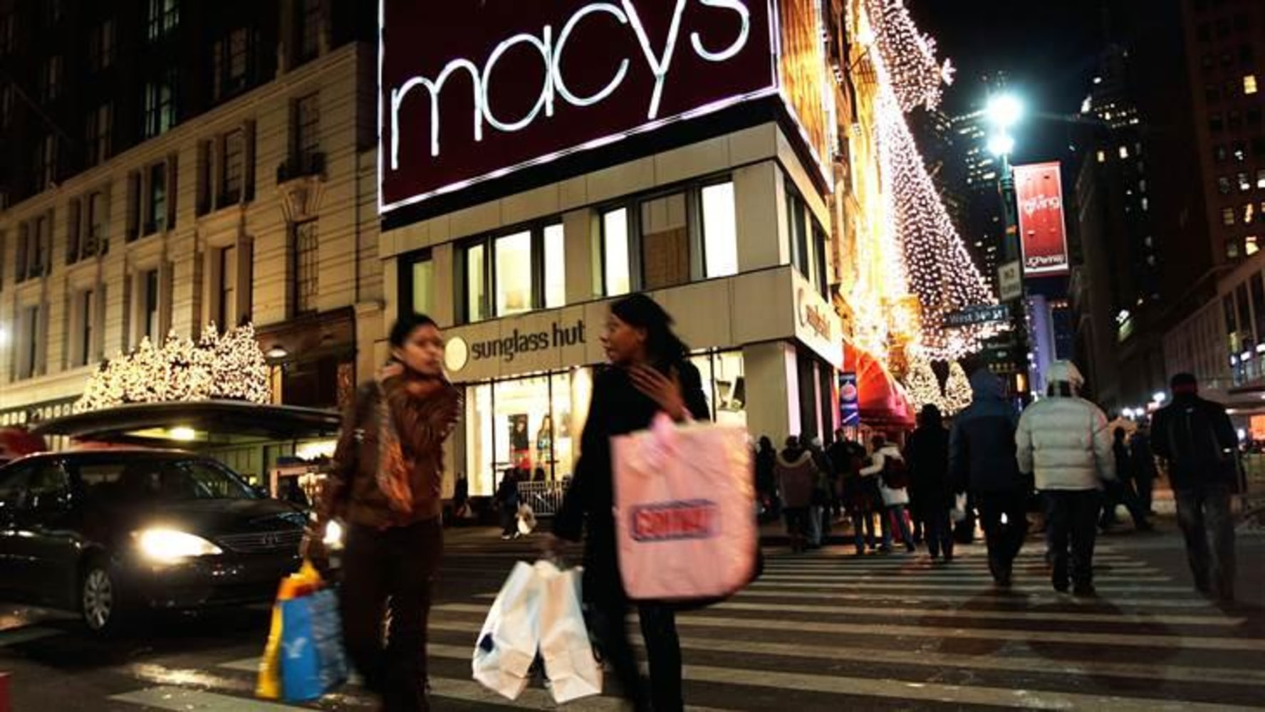 Macy's department store closing in Moscow