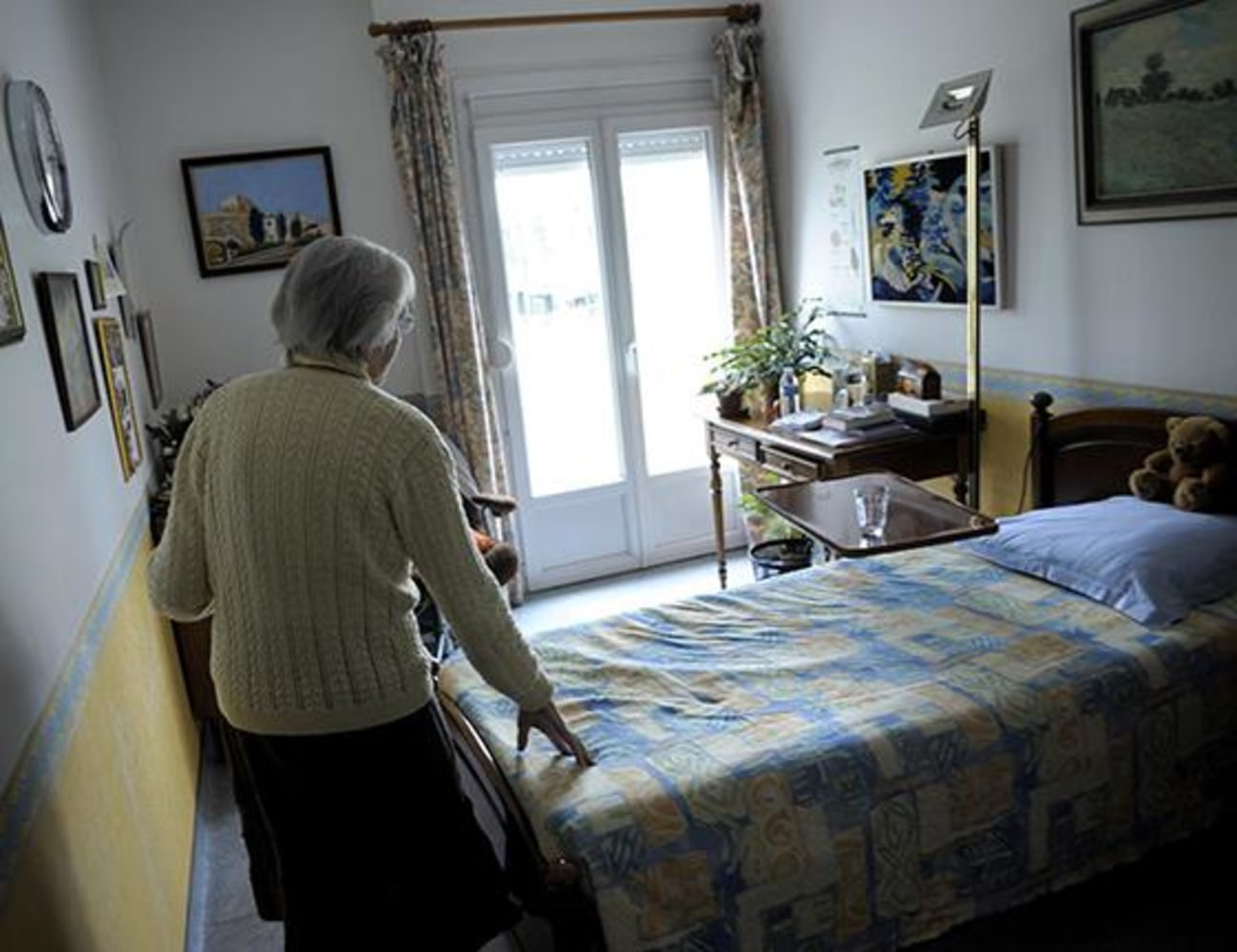More Americans with Alzheimer's are dying at home