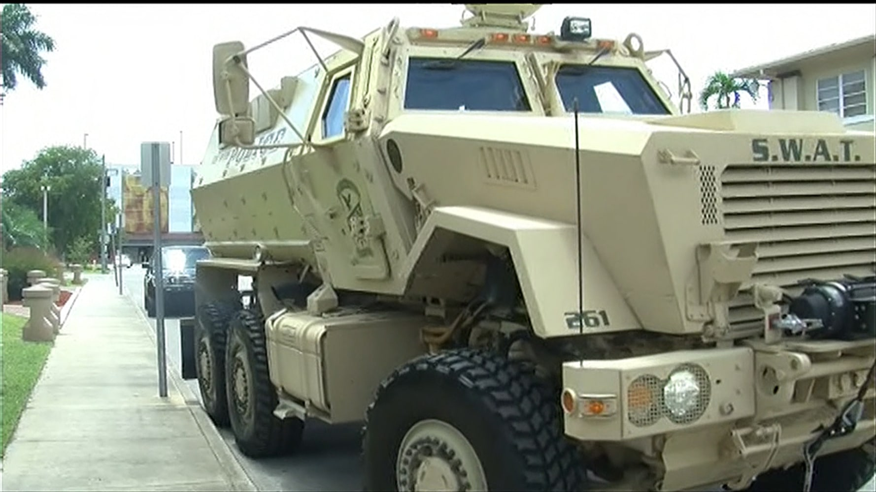 """militarization of local police It depends on your definition of """"militarization"""" there's giving local police forces access to mil-surp equipment like mraps, apcs, military-grade body armor and automatic weapons this is the type of militarization we tend to see in the us, along with police forces actively recruiting able-bodied military vets."""