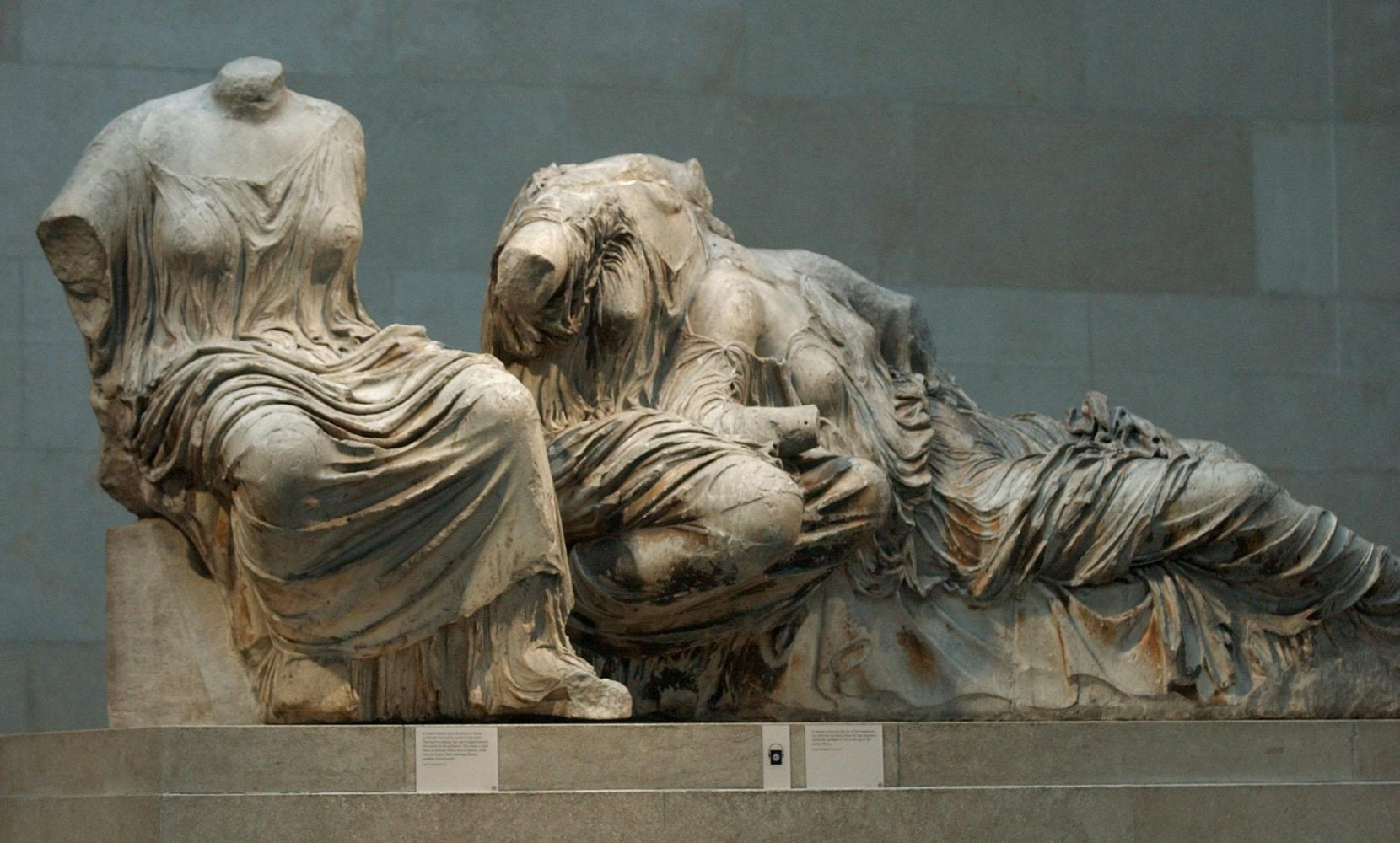 who owns the elgin marbles precis Watch video greece demands return of elgin marbles from uk sculptures were taken 200 years ago from the acropolis in athens by an.