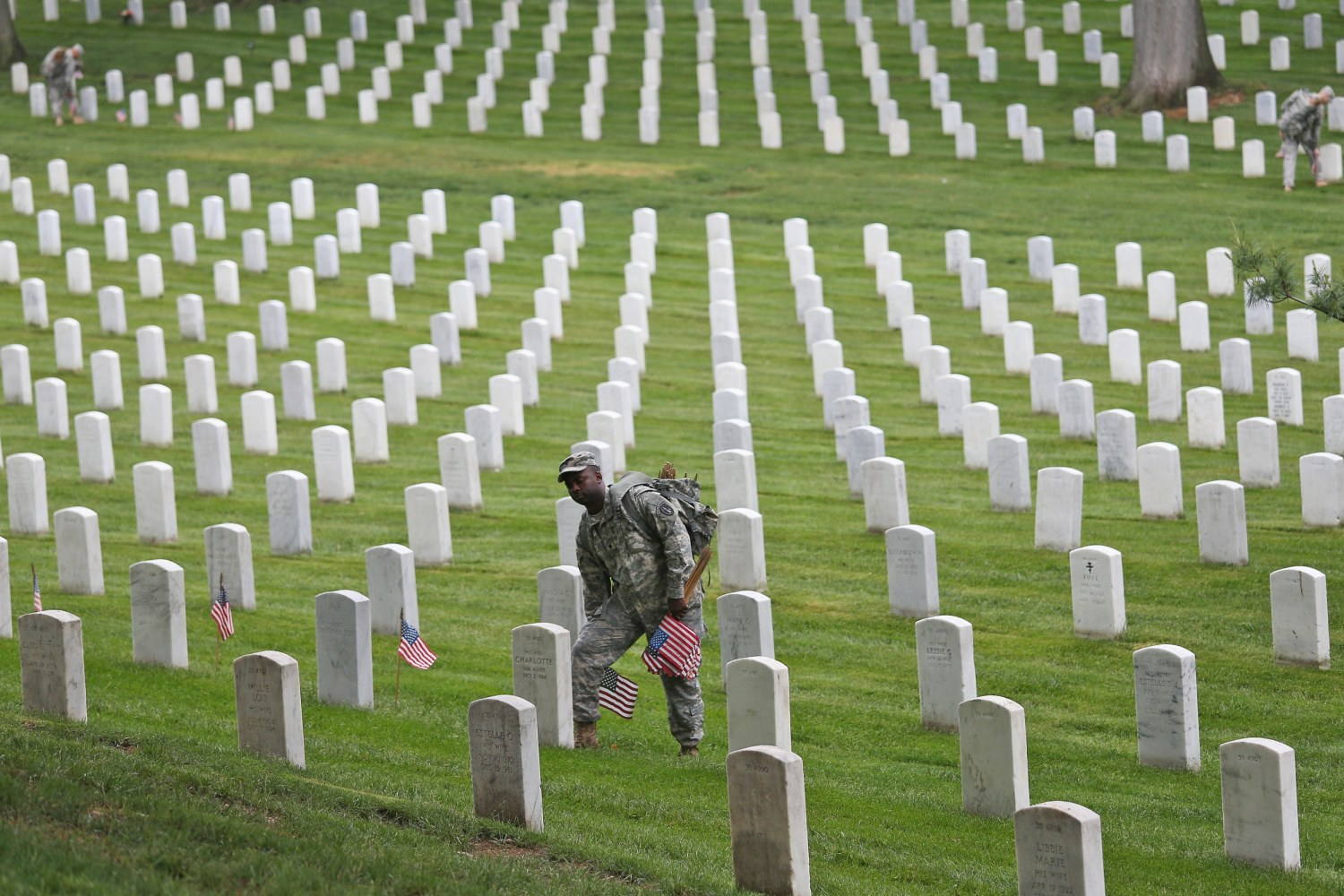 Flags In Soldiers Prepare Arlington Cemetery For Memorial Day - Arlington cemetery on us map