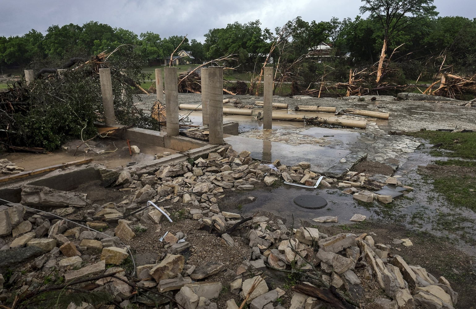texas floods eight people in wimberley vacation house are missing image the cement stilts of the home belonging to the carey family of corpus christi