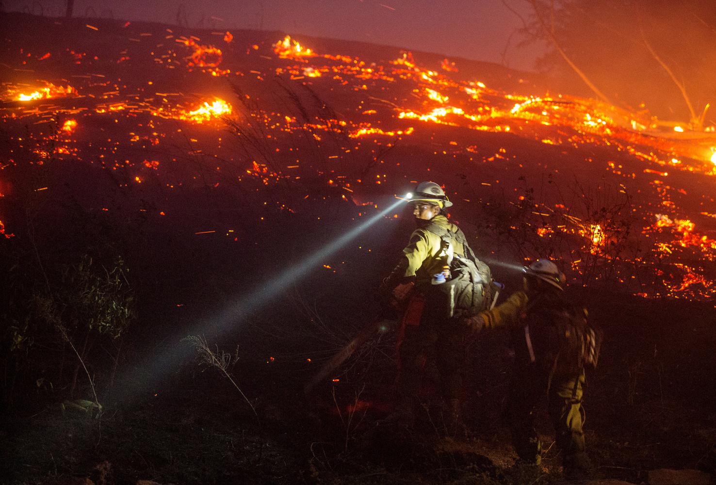 Washington Wildfire Burns 4 000 Acres Destroys Two Dozen