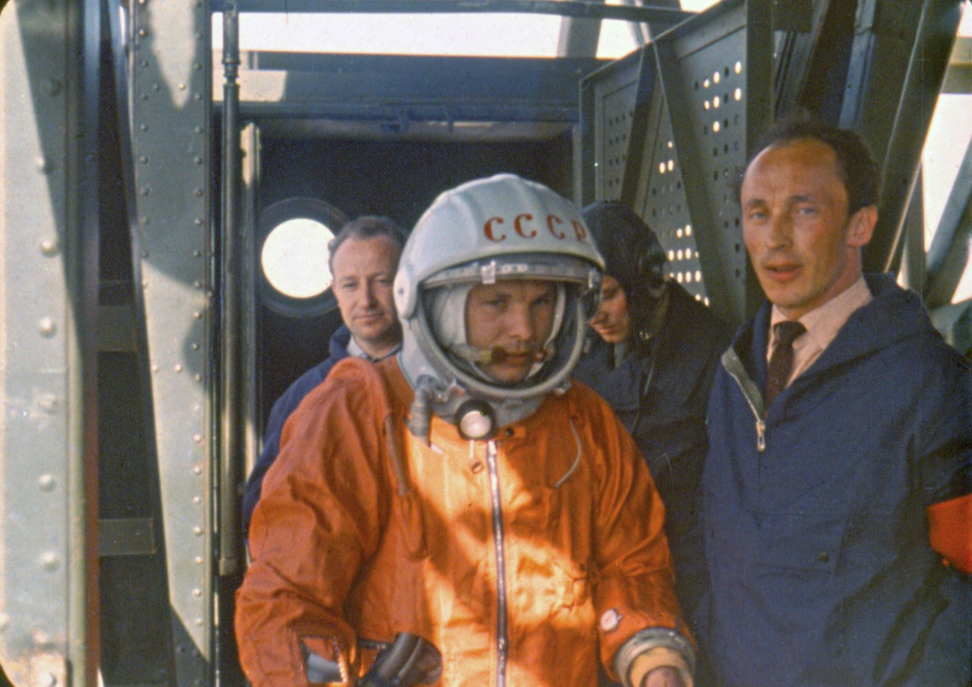 how was responsible for yuri gagarin in space flight - photo #13