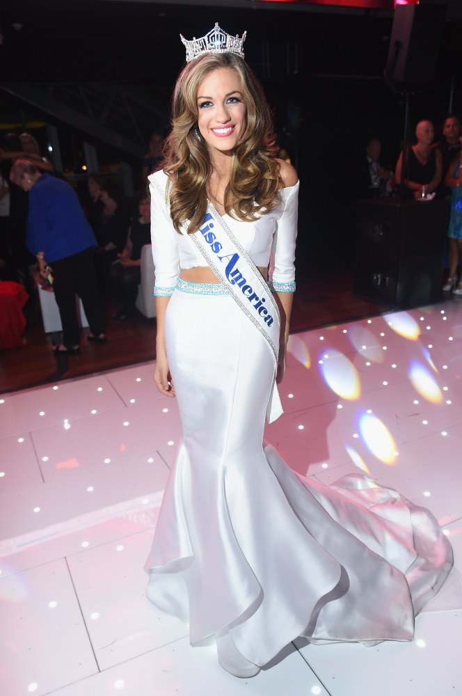 Miss Georgia Betty Cantrell is Crowned Miss America 2016 ...