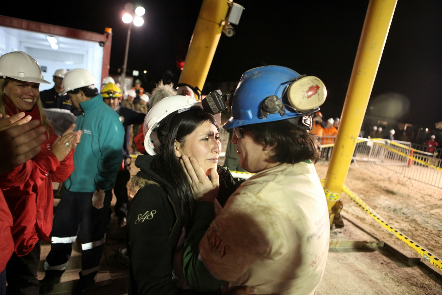 33 chilean miners trapped Just ask several dozen chilean workers rescued from a mine collapse harvard business school how 'teaming' saved 33 lives in the chilean mining disaster.
