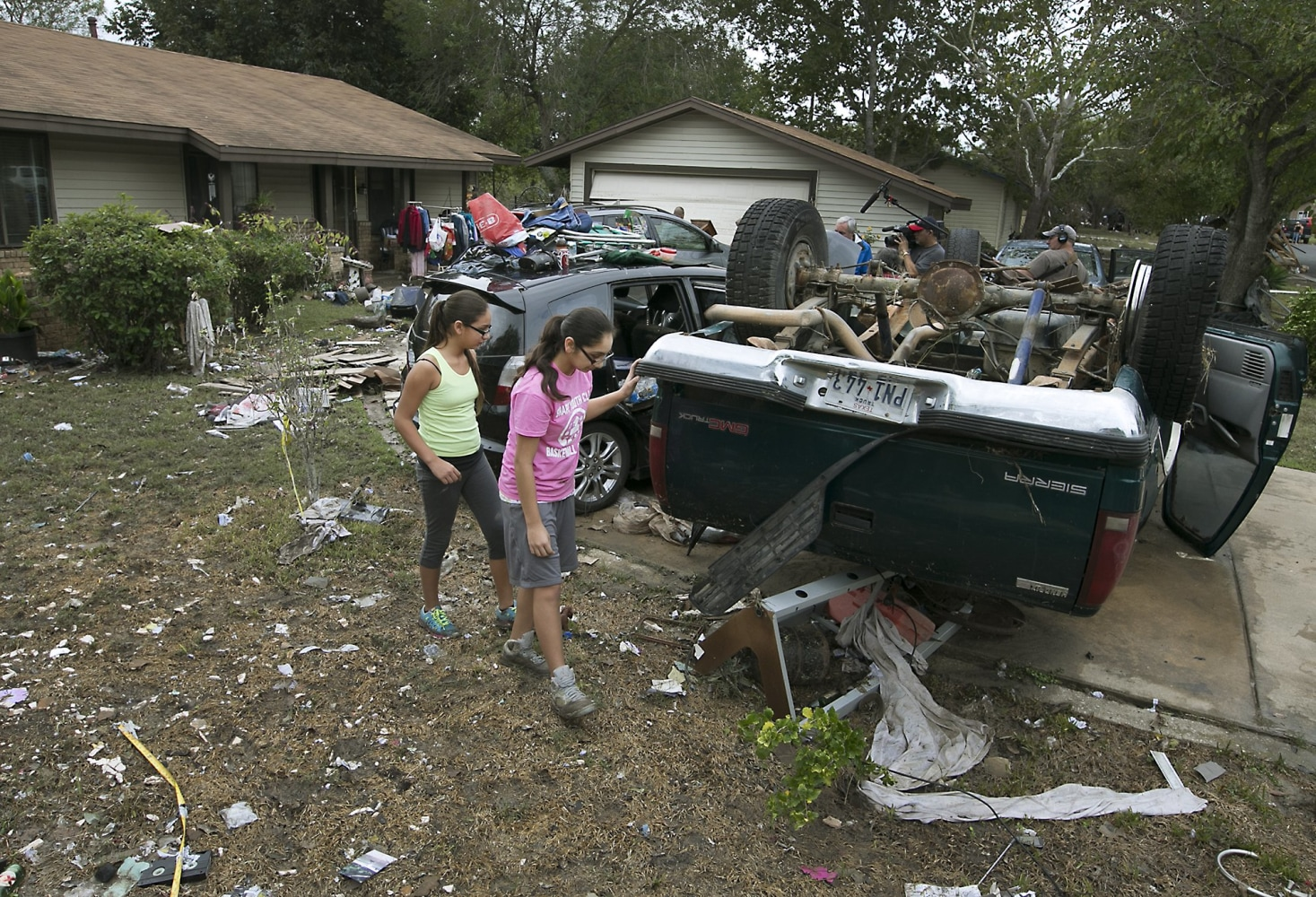Texas storms bring destructive flooding more tornadoes for Porte 12 fooding