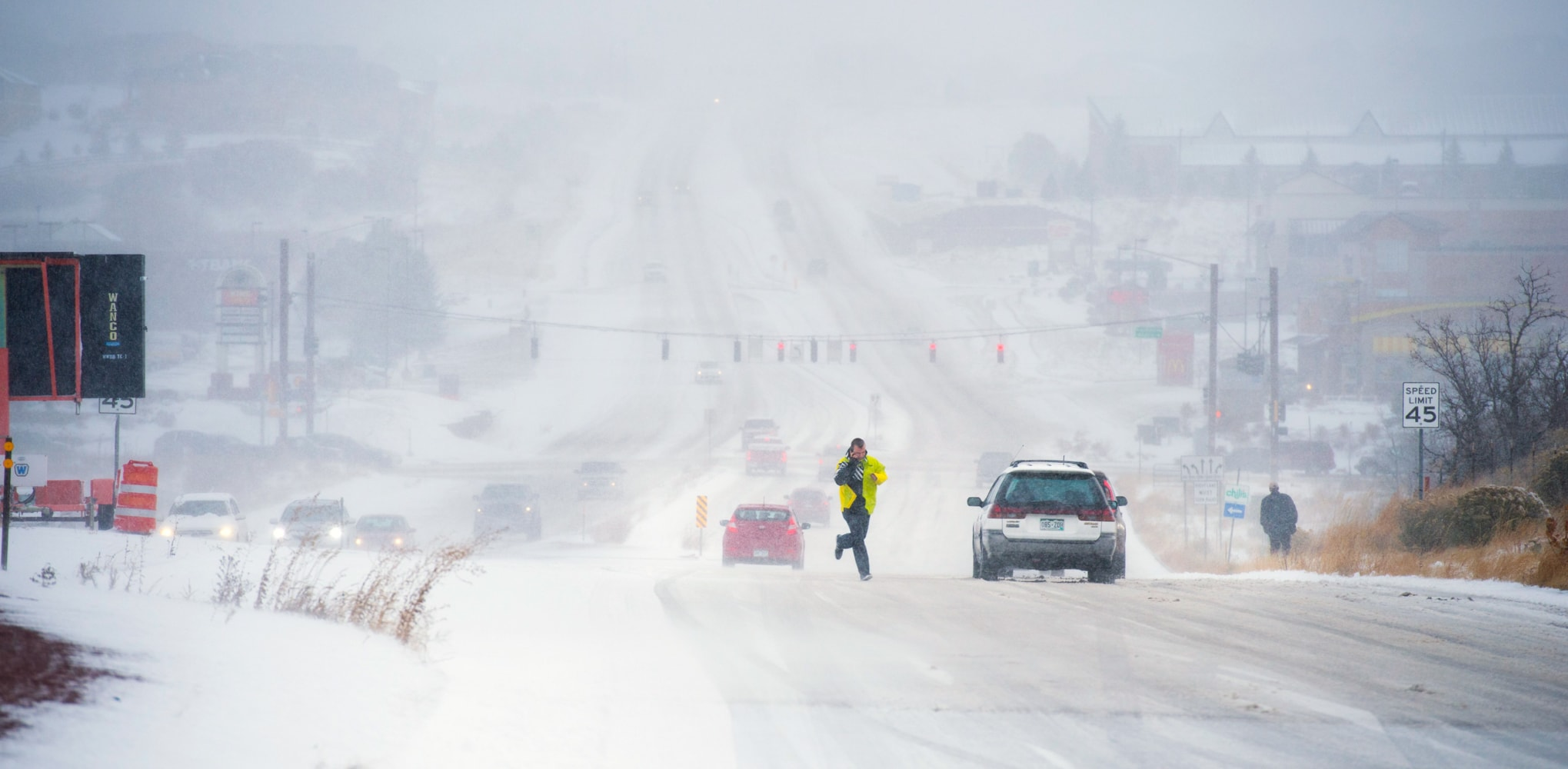 snow  tornadoes  thunderstorms threaten millions