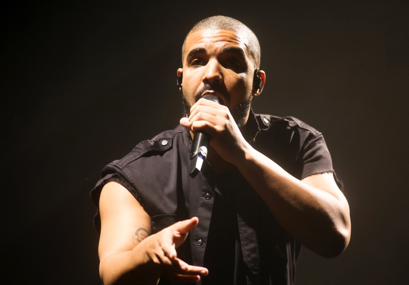 3m in jewels stolen from drake 39 s tour bus phoenix police for Thedrake