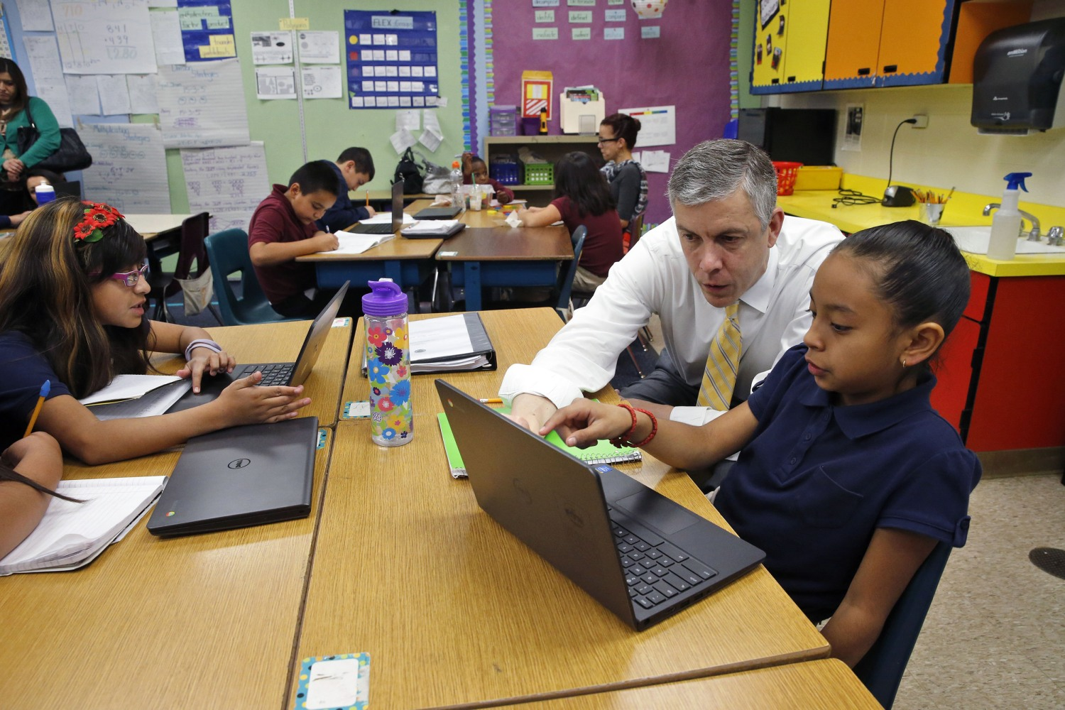 Technology In Elementary Classrooms ~ Obama signs education law rewrite power shift to states