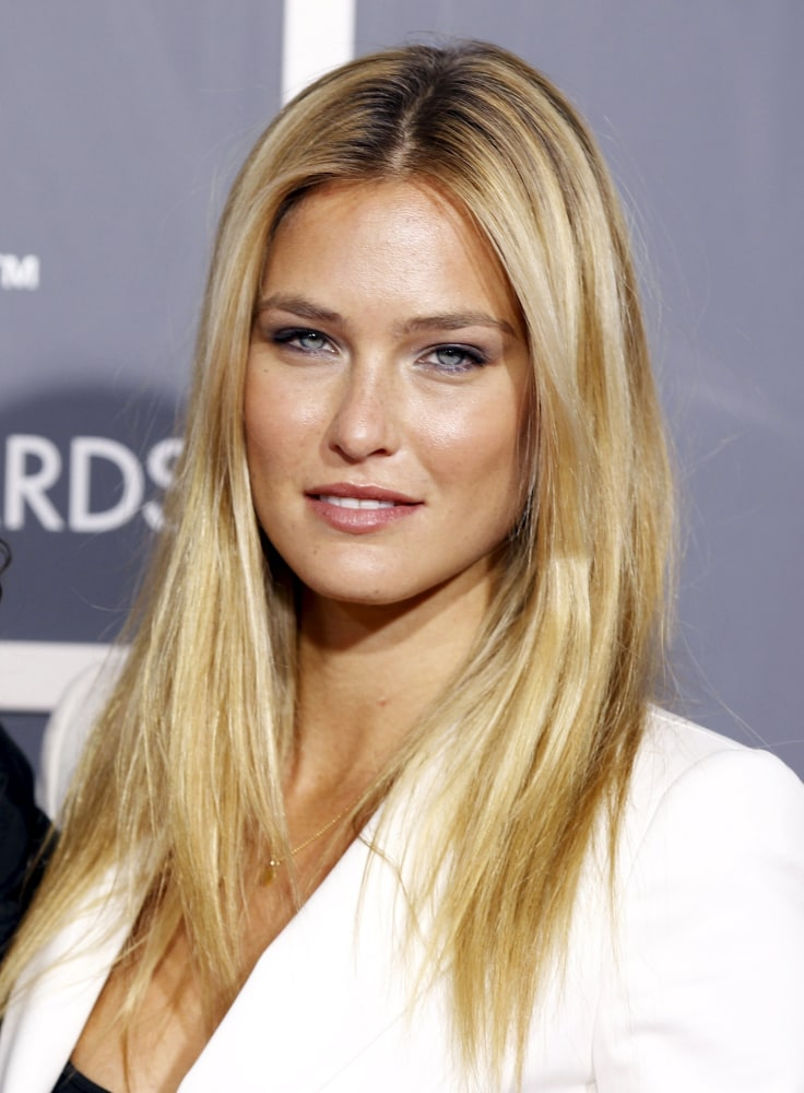 Bar Refaeli A pretty p... Bar Refaeli