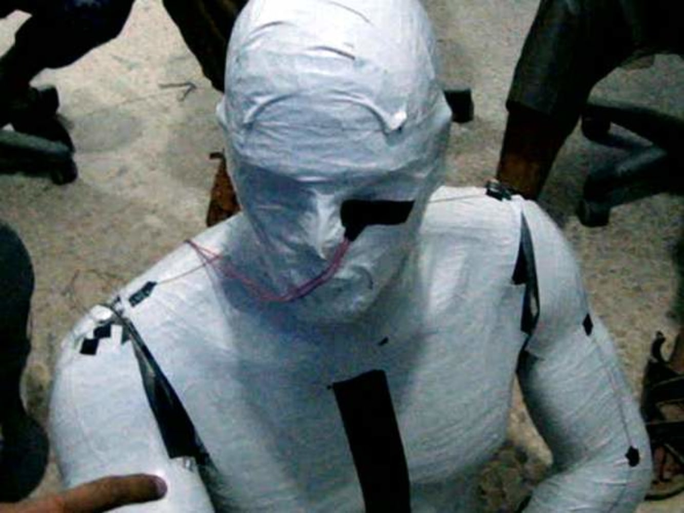 ISIS fighter publicly executes his own mother