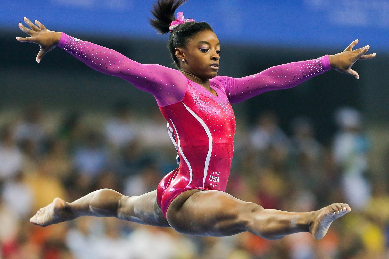 how tall is gymnast simone