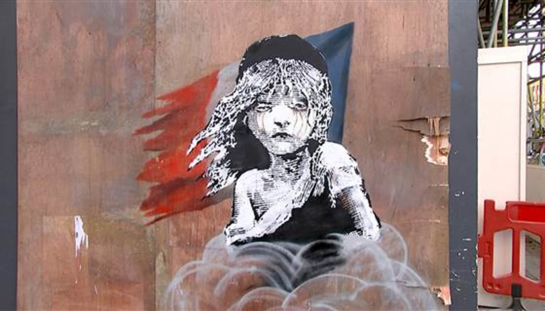 New bansky artwork in london hits a nerve and is boarded for Banksy mural painted over