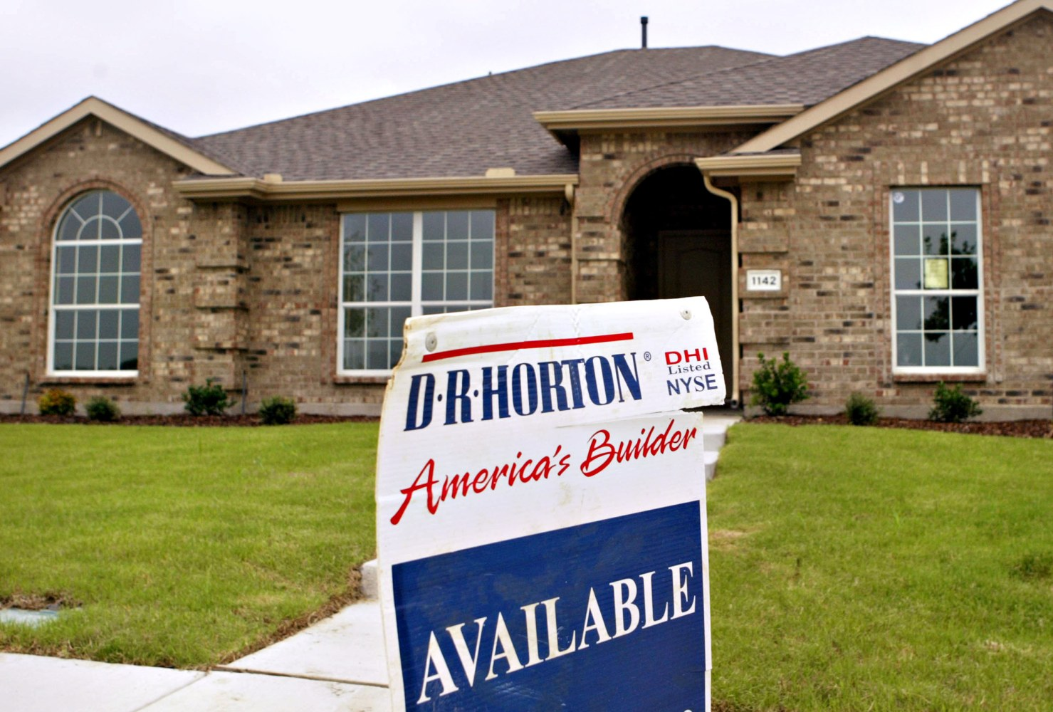 Homebuilder DR Horton's Bet On Entry-Level Houses Paying