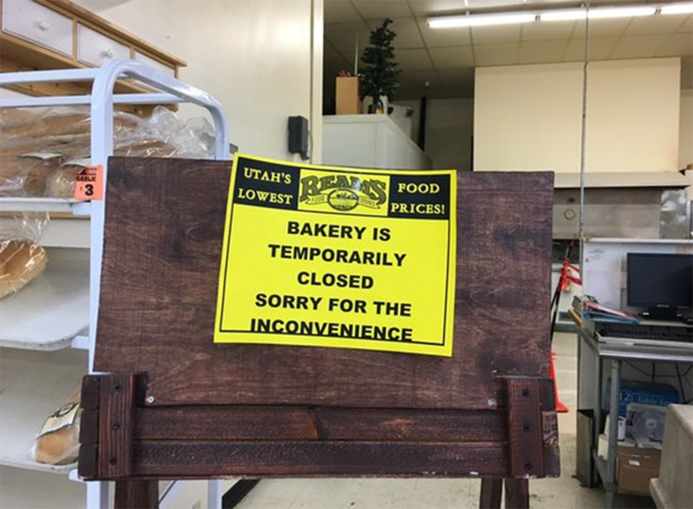 reams food store worker in utah dies after getting dragged into image sign at the bakery