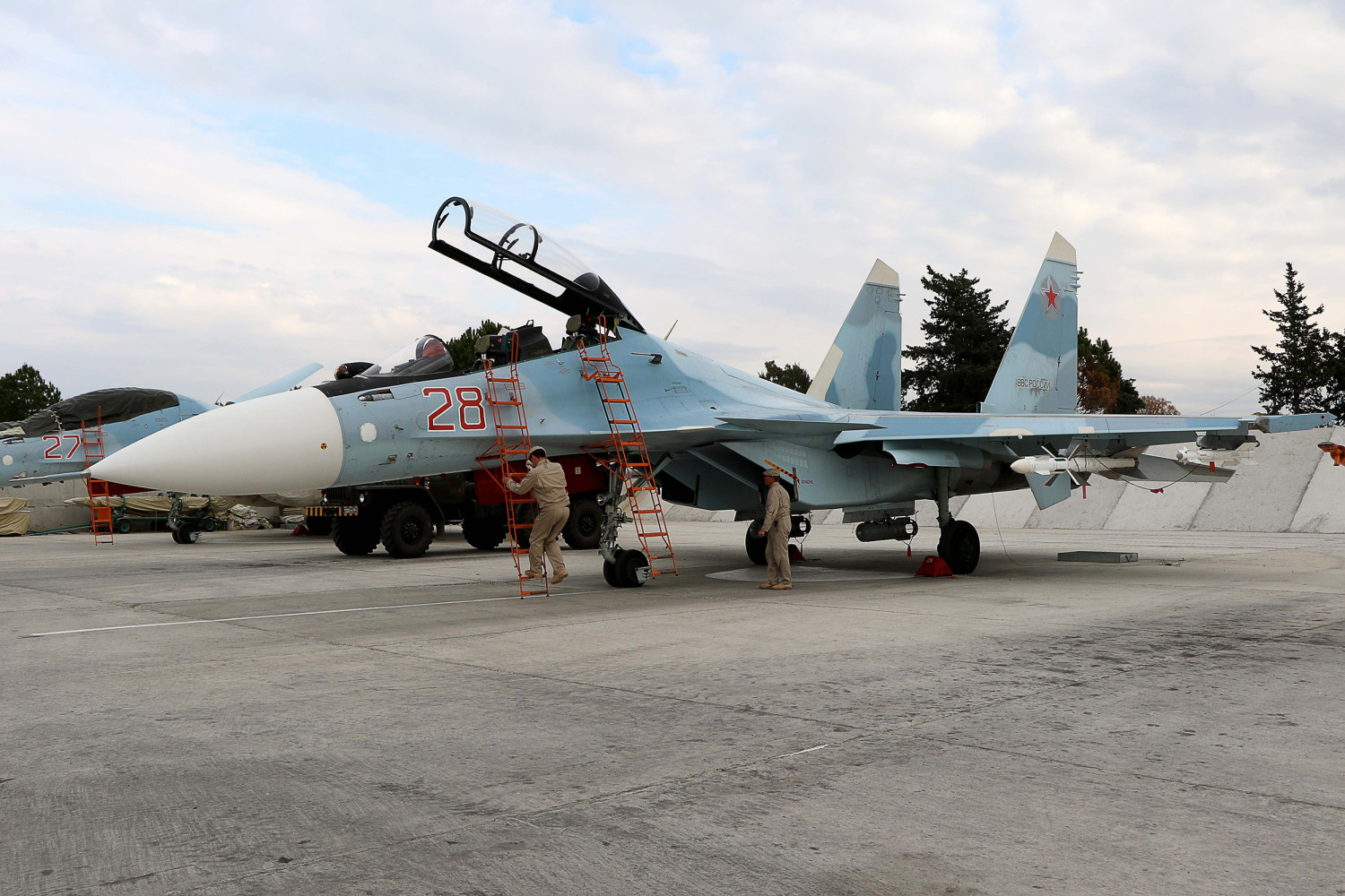 Russia Plans to Sell Iran Up to $8B Worth of Weapons ...
