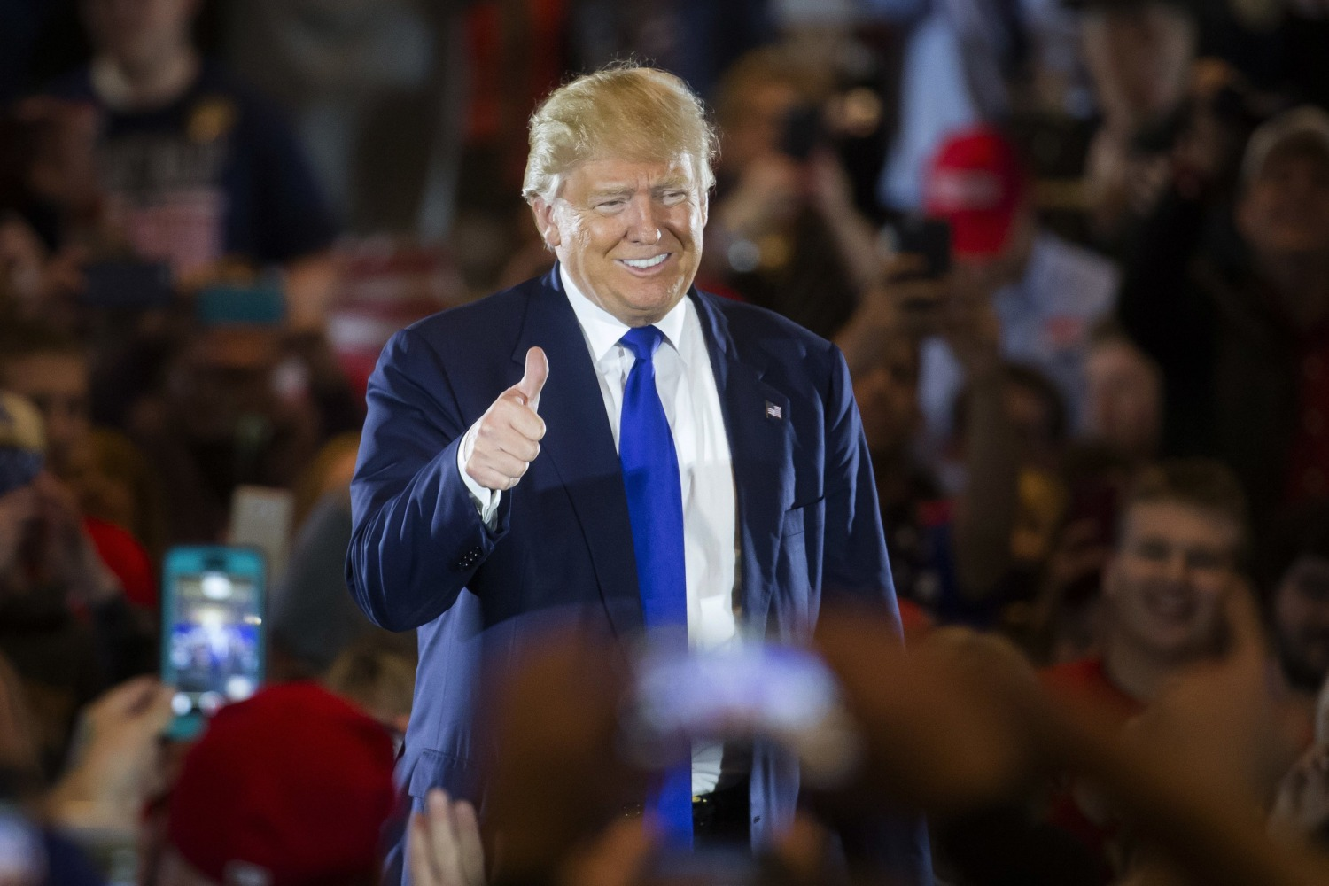 At ohio rally trump shows softer side walks back mccain comments image donald trump publicscrutiny Image collections