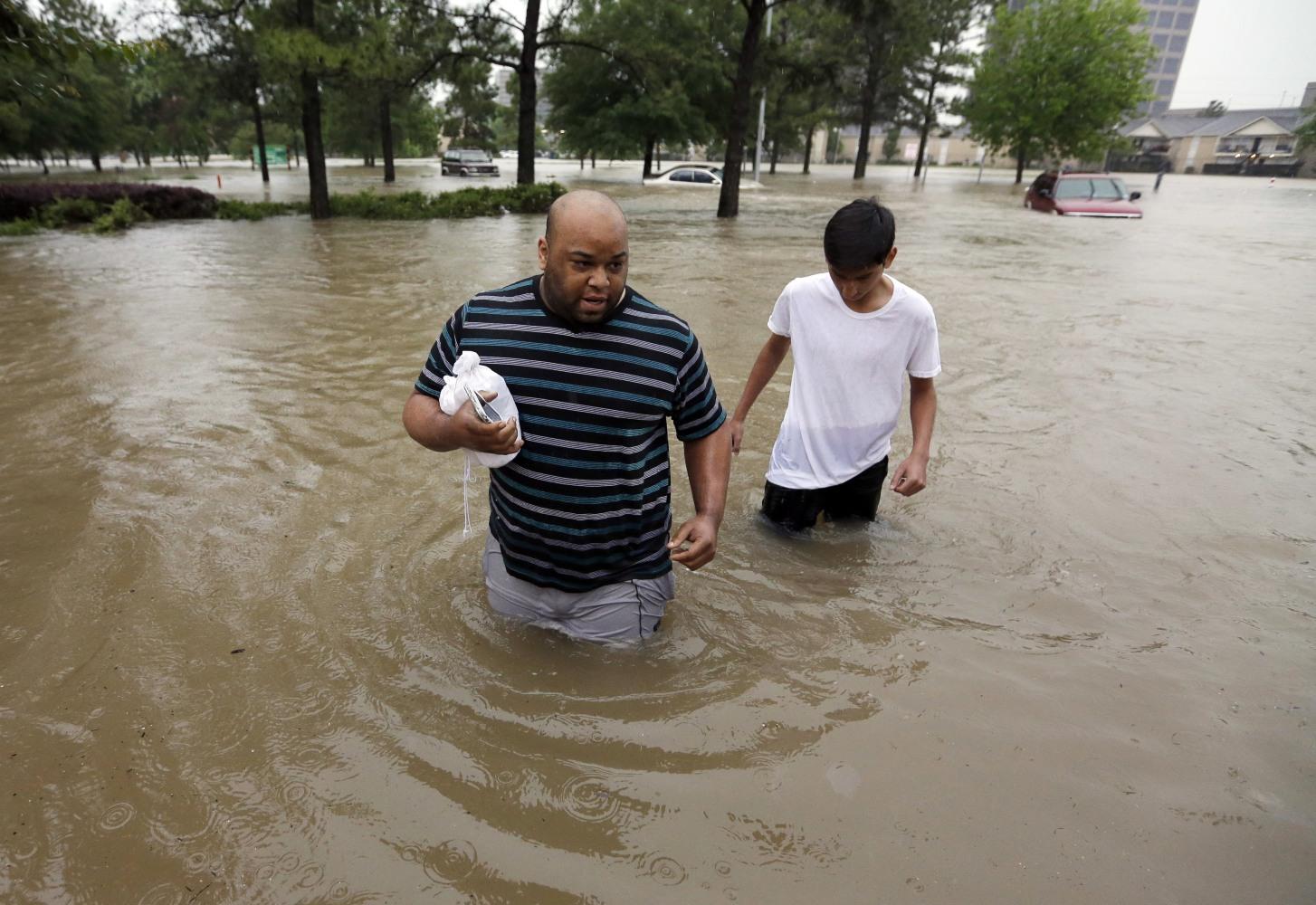 'Unprecedented': 5 Dead as Record Rainfall Floods Houston ...
