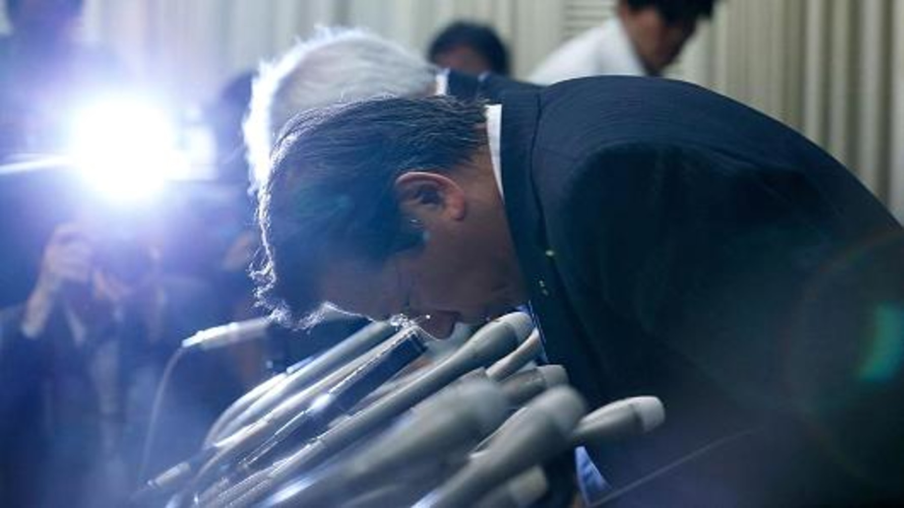 Mitsubishi Shares Take a $2.5B Dive on Mileage Cheating Scandal