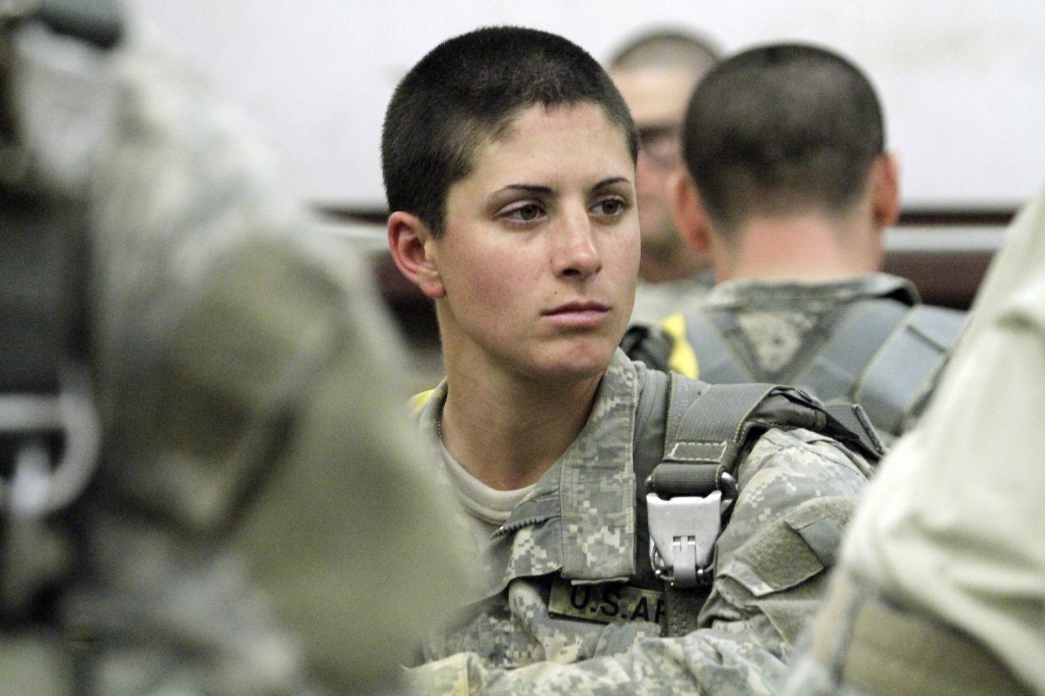 Captain kristen griest to become first female army - How to become an army officer after college ...