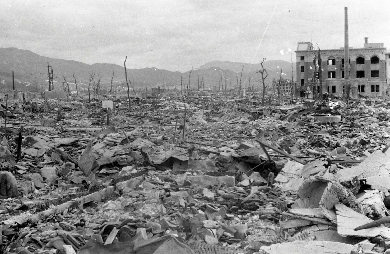 truman s decision of hiroshima and nagasaki Ver vídeo  richard thornton talks about president truman's decision to drop the atomic bomb on hiroshima and nagasaki to end the pacific war.