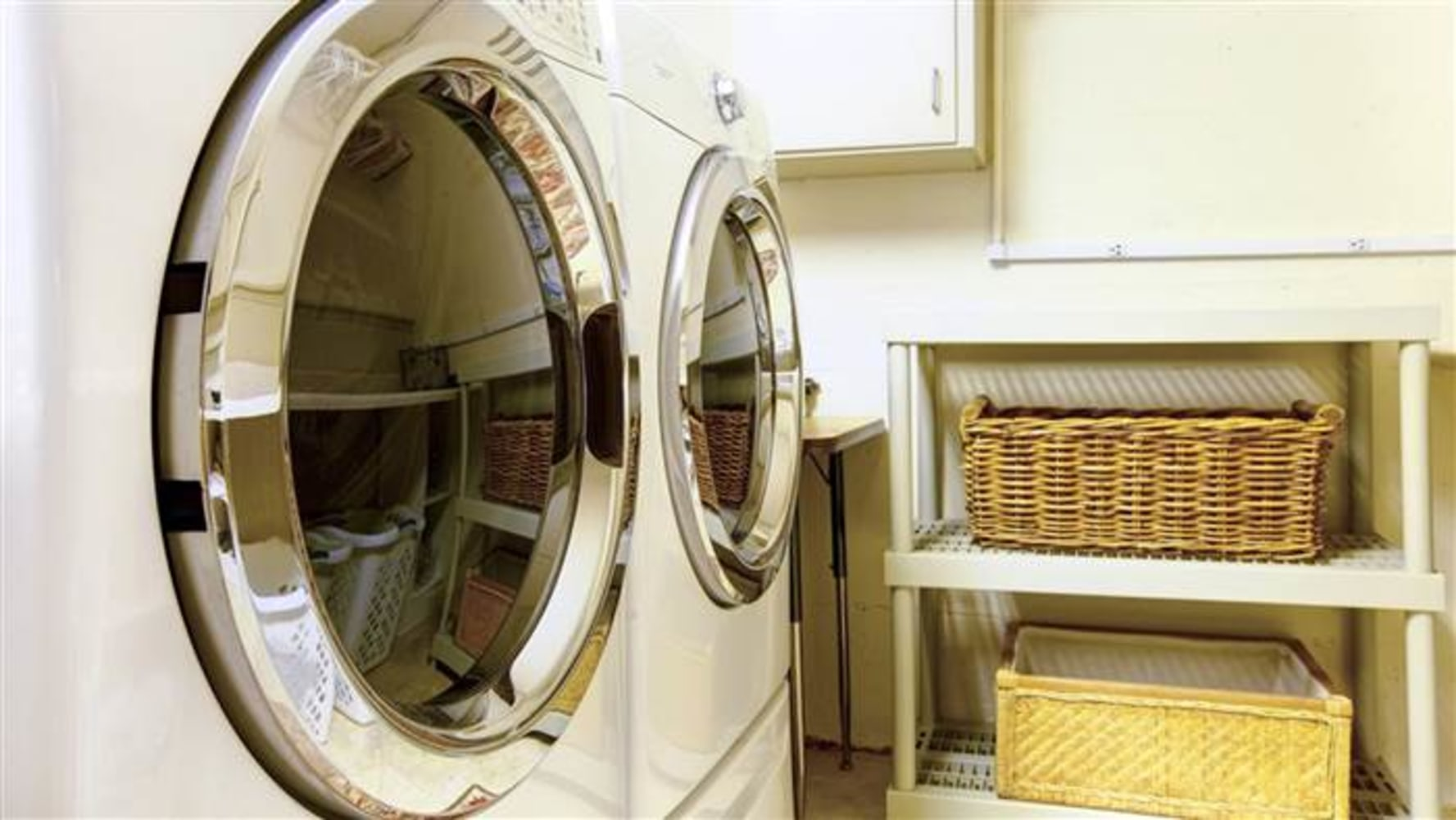 how to clean smell out of front loader washing machine