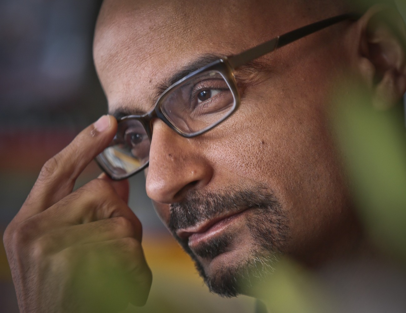 junot diaz bio Pulitzer prize-winning author junot diaz debuts his newest book islandborn on march 13 at the brooklyn public library.