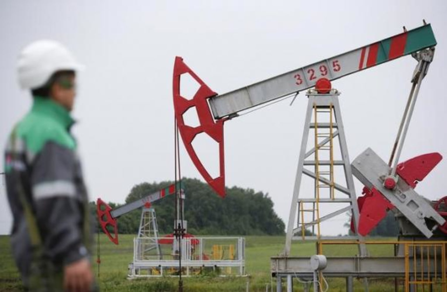 Oil prices bounce after US gasoline inventory draw