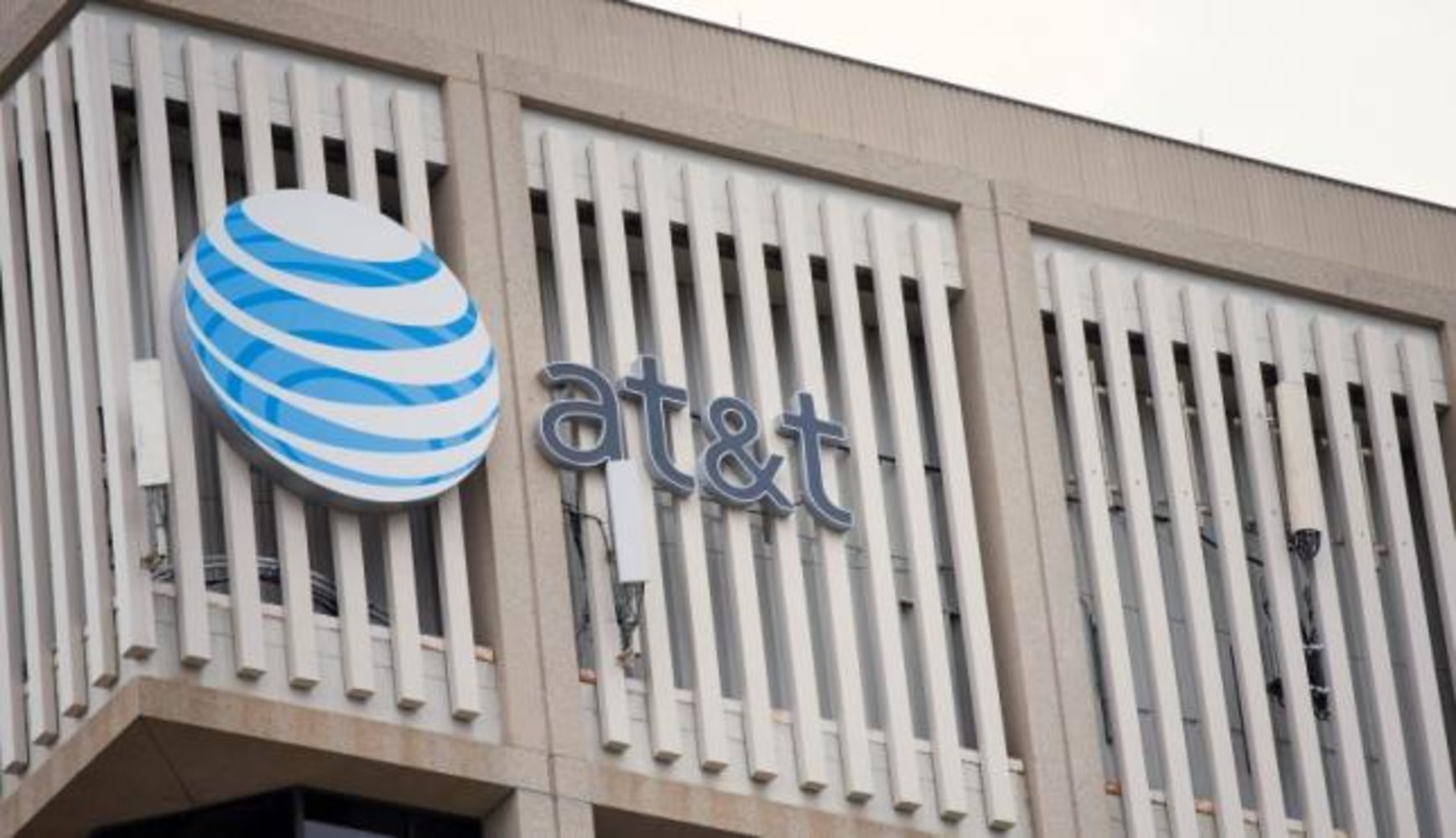 AT&T to pay $7.5 million in fraud scheme that benefited drug traffickers