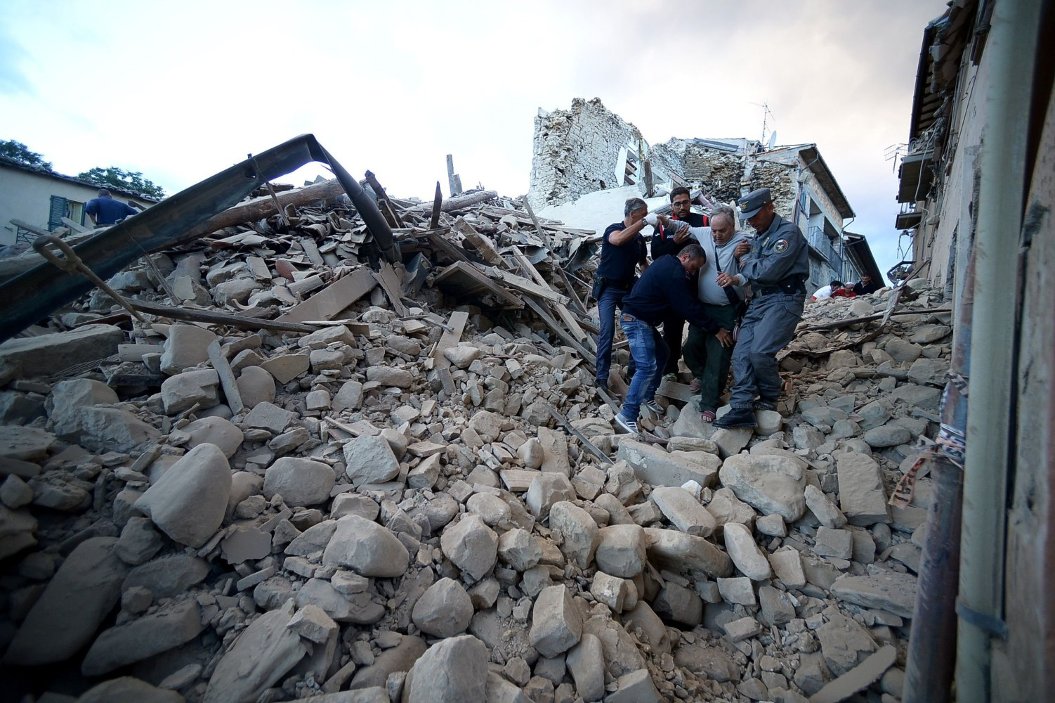 Scenes From Italy's Earthquake: The Ancient Town of ...