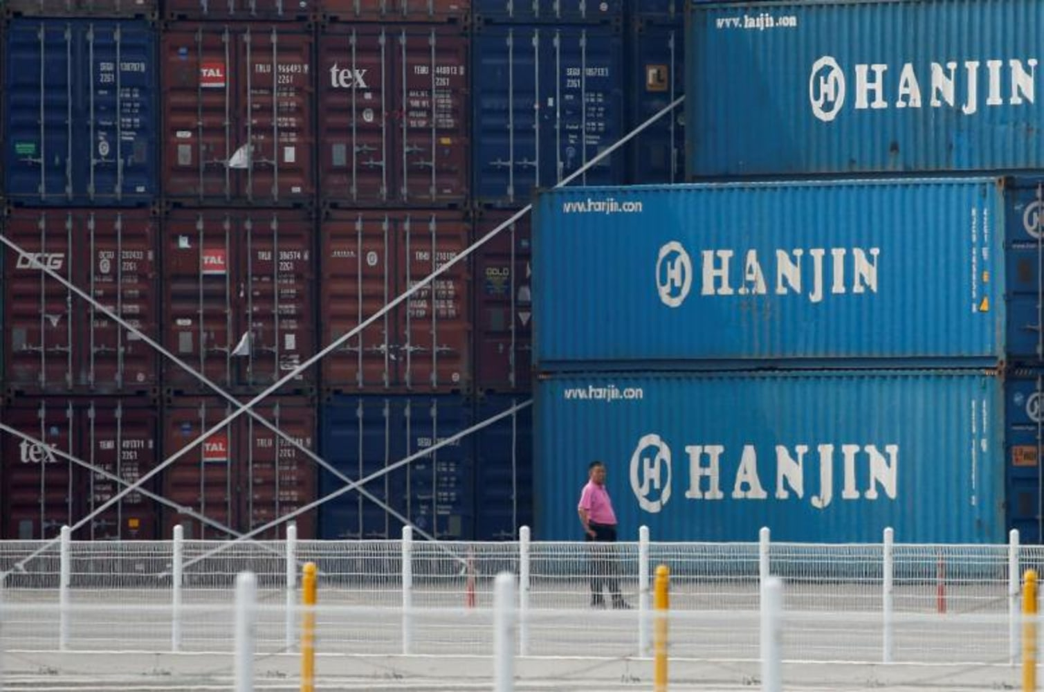 Hanjin cargo ship stranded off California finally unloads