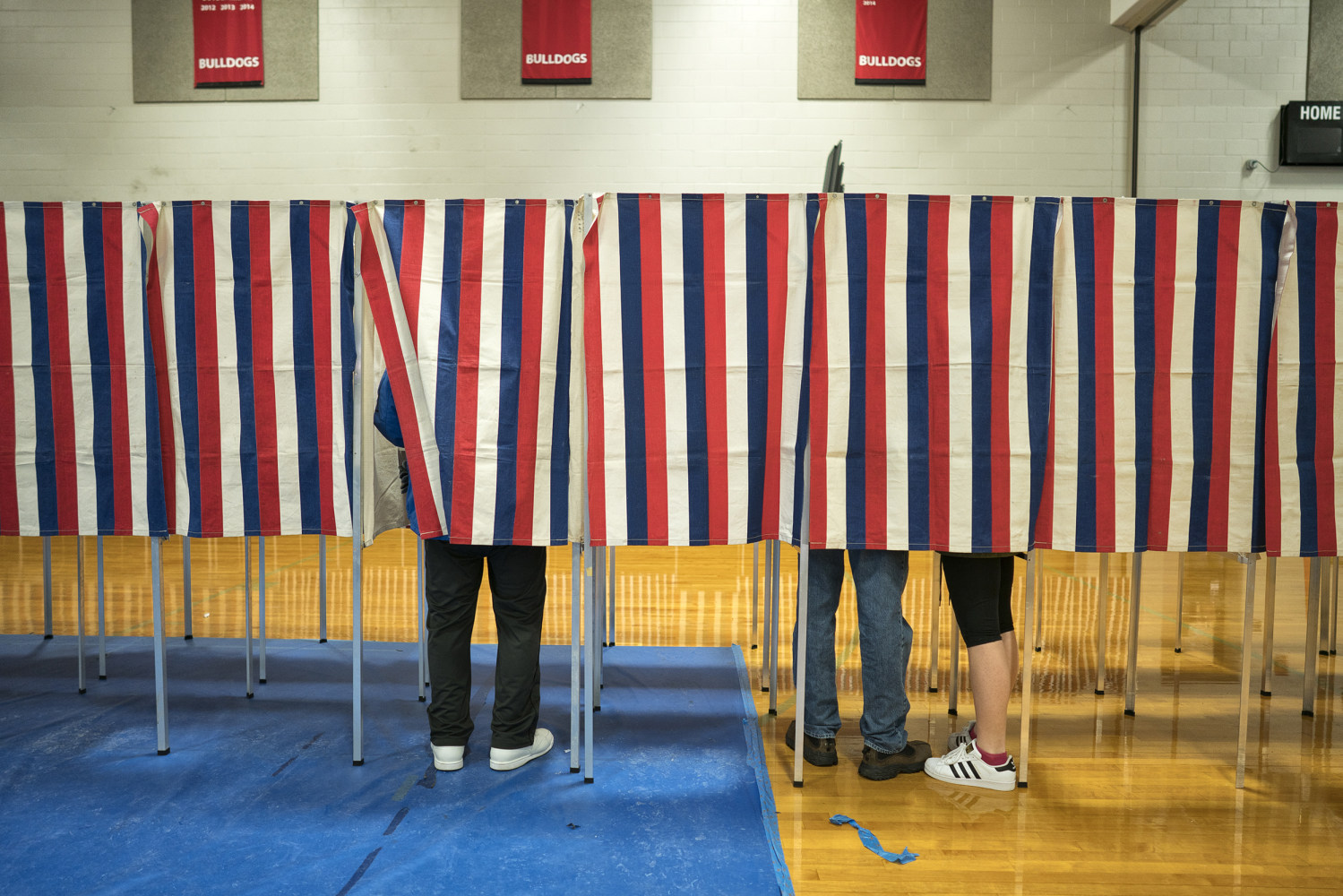 Court hears challenge to New Hampshire 'ballot selfie' law