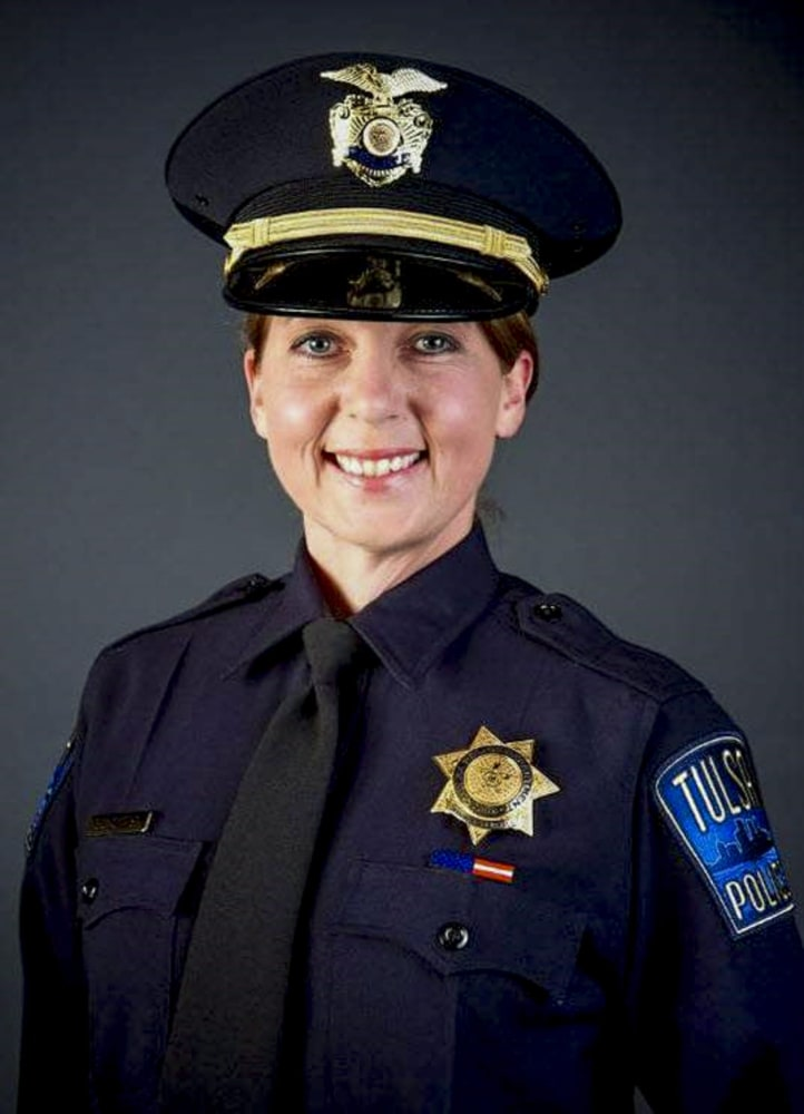 Tulsa Cop Betty Shelby's Past Under Scrutiny After Terence Crutcher Shooting