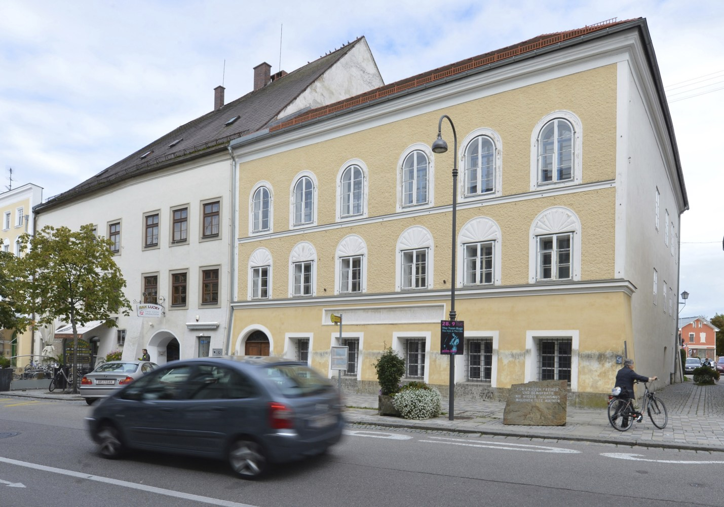 Austria government says house of Hitler's birth to be demolished