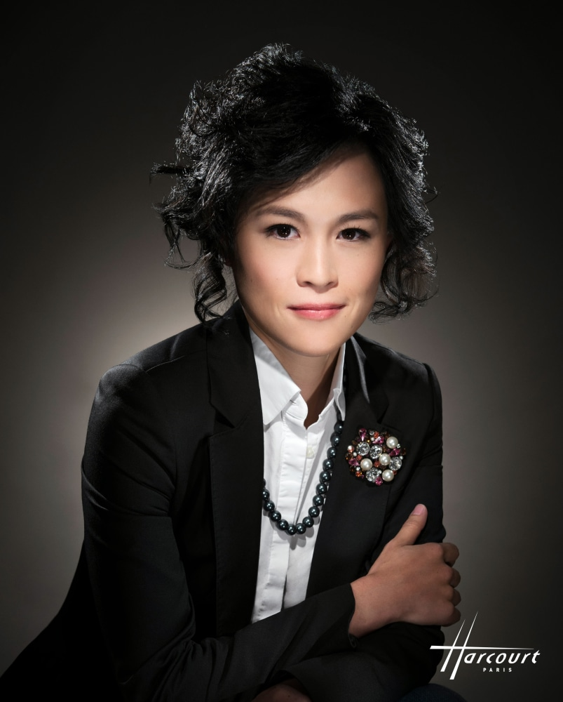 Gigi Chao is the Executive Vice Chairman of Cheuk Nang Holdings OUTstanding