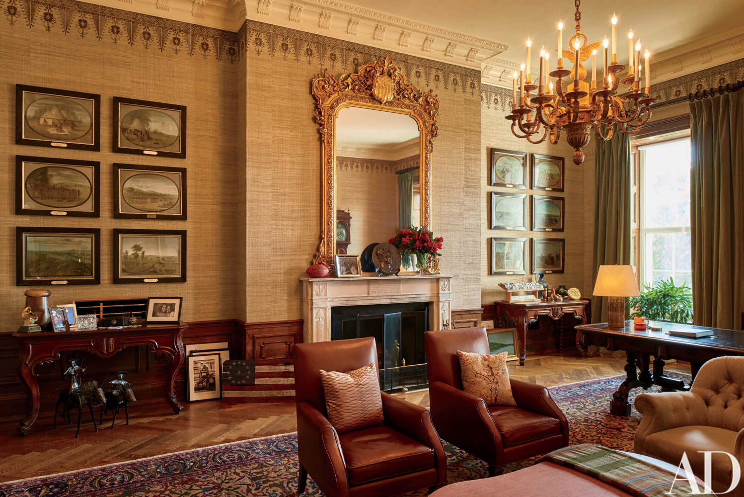 Look inside the obamas 39 stylish white house home nbc news for The white housse