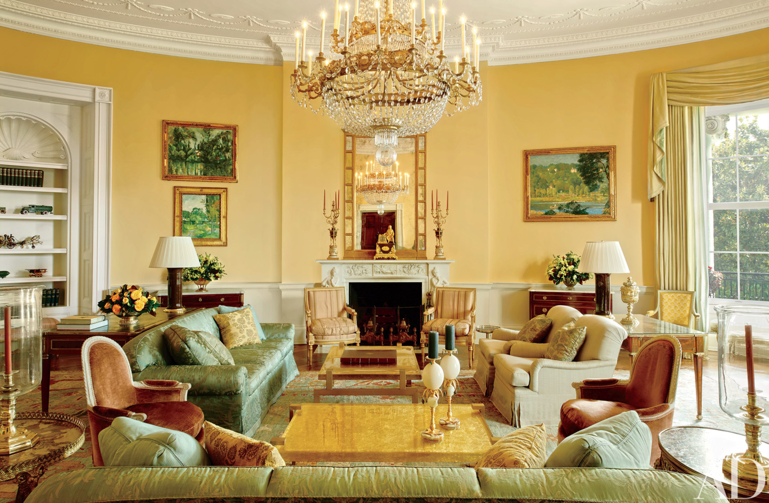 Look inside the obamas 39 stylish white house home nbc news - Decorated homes ...