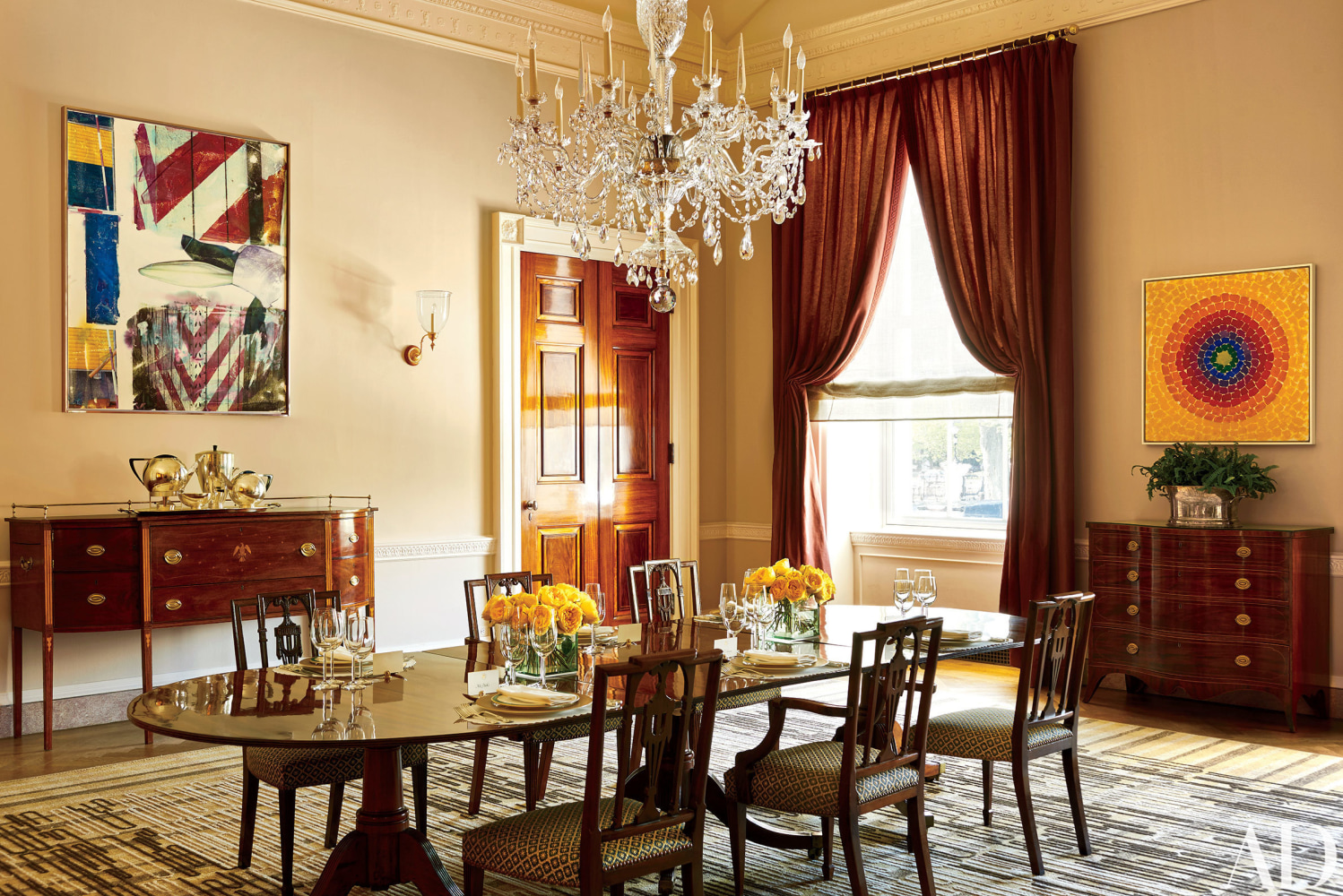 Modern family dining room michelle obama modern home and for Family dining room ideas