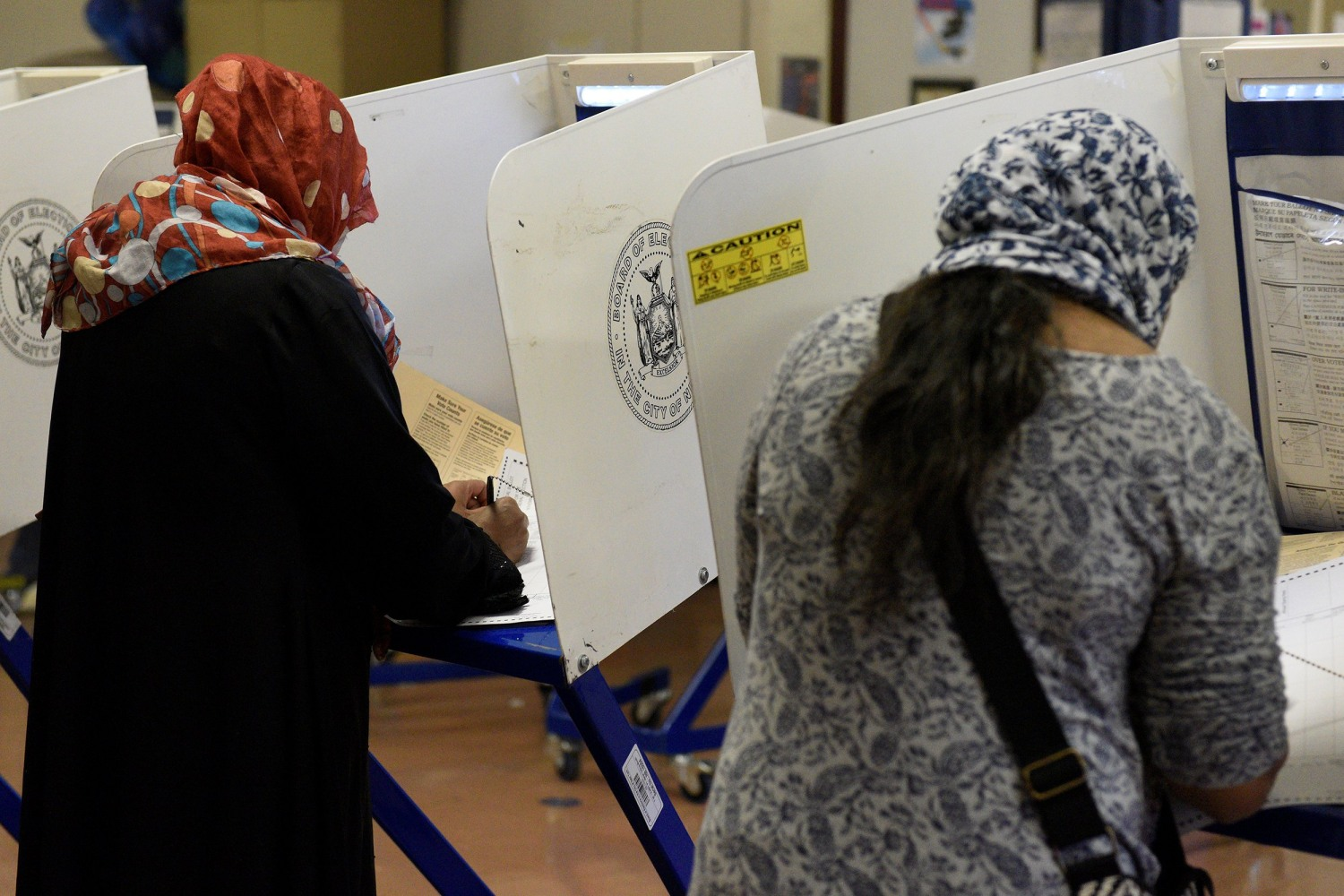 Image Bangladeshi Americans Vote For The U S Presidential Election In The Queens Borough Of New