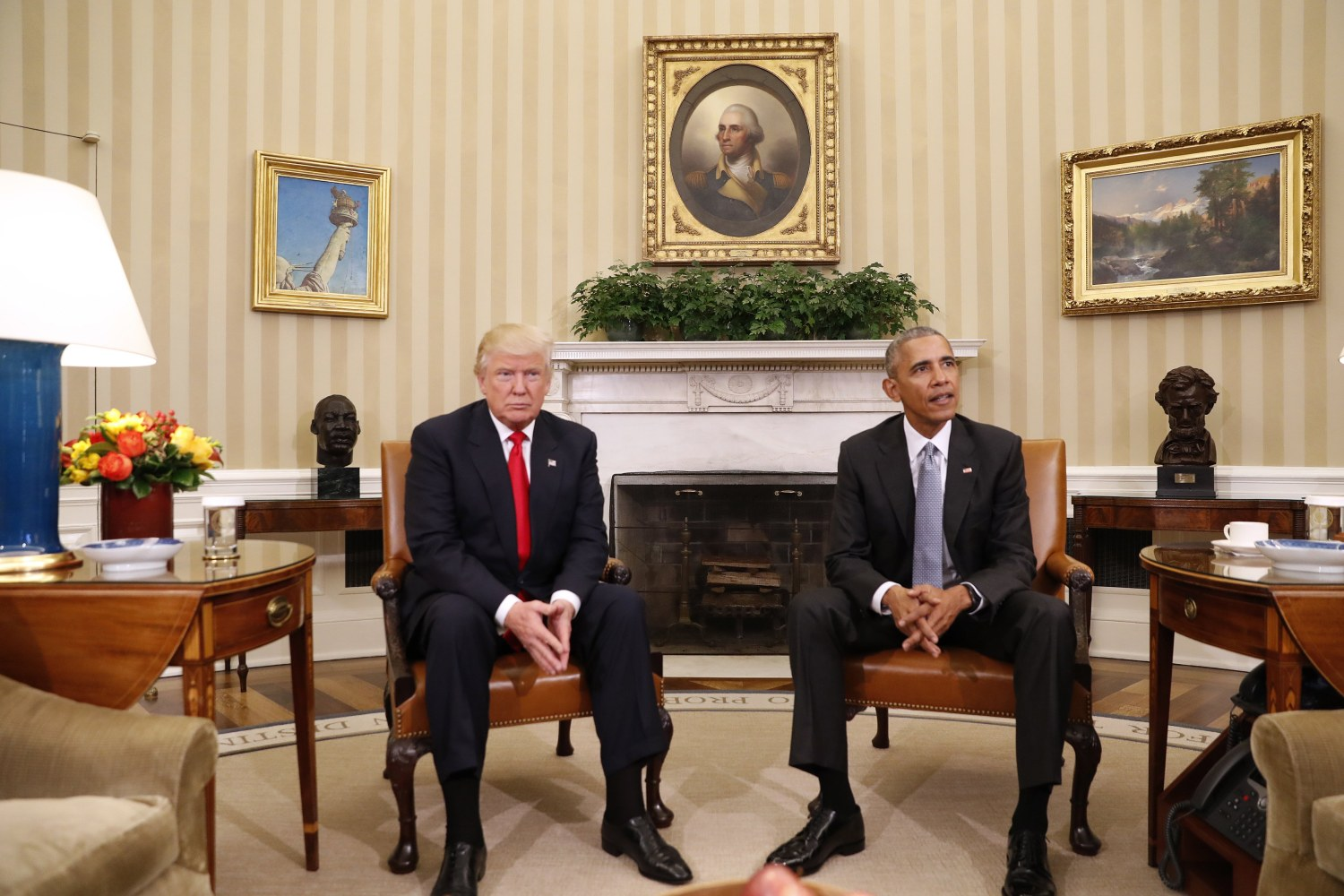 Obama hosts trump at white house for first meeting after election image m4hsunfo